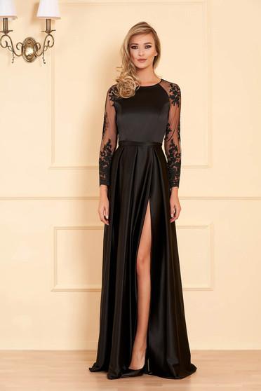 Fekete alkalmi deréktól bővülő szabású ruha szaténbóll csipke ujj