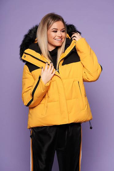 Mustársárga oversized casual bő szabású fix kapucnis dzseki műszőrmével steppelt anyagból