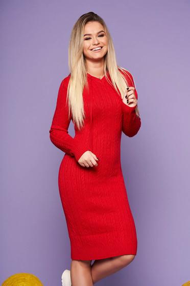 Piros hétköznapi szűk szabású ruha kötött anyagból hosszú ujjakkal