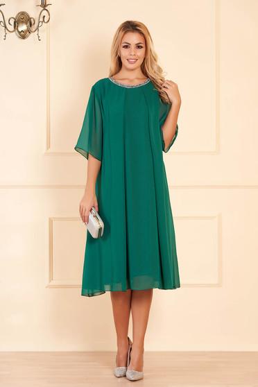 Zöld bő szabású alkalmi ruha muszlinból csillogó kiegészítők