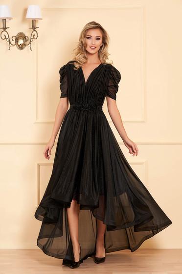 Fekete alkalmi harang ruha v-dekoltázzsal fényes anyagból virágos díszekkel