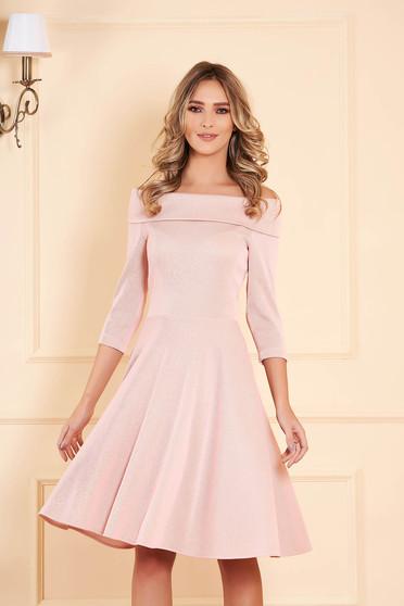 StarShinerS púder rózsaszínű deréktól bővülő szabású midi ruha csónak kivágással háromnegyedes ujjakkal