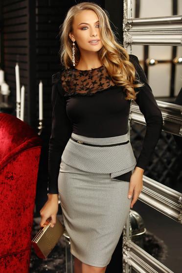 Fekete elegáns szűk szabású női ing rugalmas pamutból és csipke díszítéssel