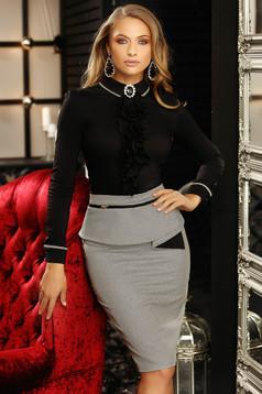 Fekete szűk szabású galléros fodros irodai női ing