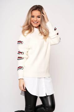 Fehér casual bő szabású rövid pulóver kötött anyagból hosszú ujjakkal pólónyakkal