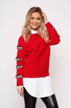 Piros casual bő szabású rövid pulóver kötött anyagból hosszú ujjakkal pólónyakkal
