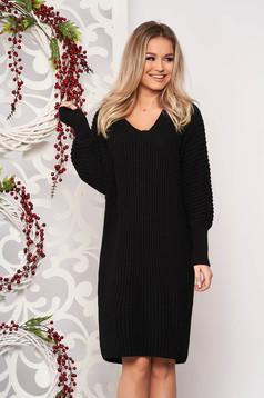 Fekete casual midi egyenes ruha kötött anyagból v-dekoltázzsal hosszú ujjakkal