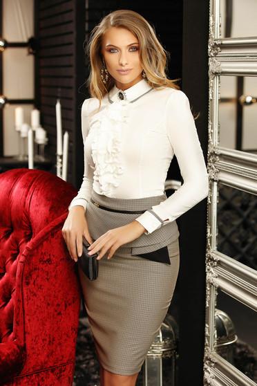 Fehér szűk szabású galléros fodros irodai női ing hosszú ujjakkal
