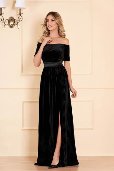 Fekete alkalmi hosszú lábon sliccelt harang bársony ruha gyöngy díszítéssel