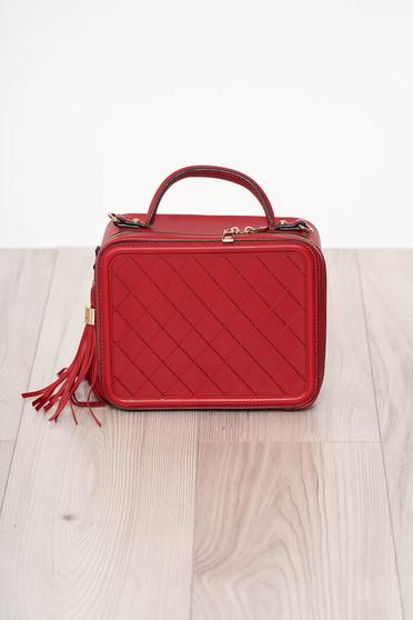 Piros szintetikus bőr bojtos táska cipzárral és rövid fülekkel