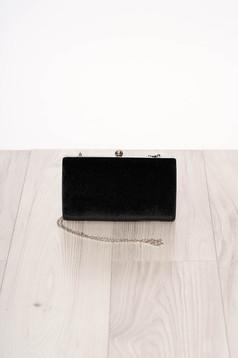 Fekete alkalmi szatén jellegű szintetikus fordított bőr felsőrész táska hosszú, lánc jellegű akasztóval