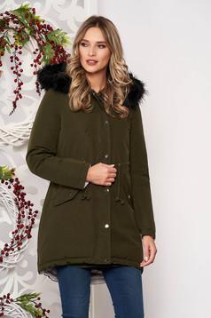 Khaki zöld casual derékban zsinóros fix kapucnis bő szabású dzseki műszőrme díszítéssel kifordítható béléssel