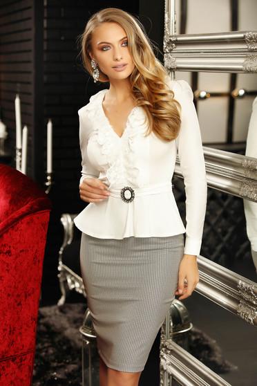 Fehér elegáns pamutból készült fodros női ing hosszú ujjakkal v-dekoltázzsal peplummal hátul megköthető övvel