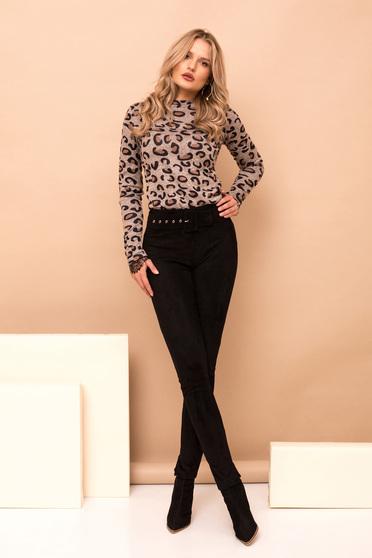 Fekete nadrág elegáns hosszú kónikus fordított bőr felsőrész öv típusú kiegészítővel