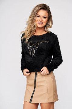Fekete pulóver casual bő szabású bolyhos anyag