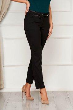 Fekete nadrág casual kónikus cipzárral van ellátva vékony anyag
