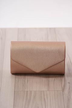 Púder rózsaszínű alkalmi kapcsokkal zárható boríték táska lánccal műbőrből