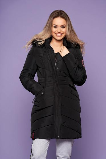 Fekete casual szőrmés kapucnis vízhatlan zsebes dzseki hosszú ujjakkal