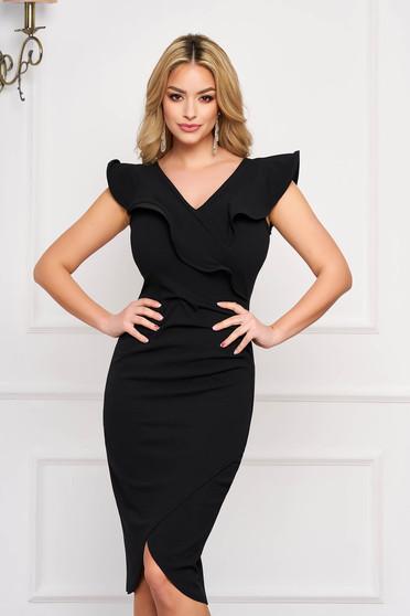 Fekete StarShinerS elegáns ujjatlan szűk szabású ruha dekoltált fodrokkal a dekoltázs vonalánál