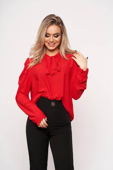 Piros irodai női ing masni díszítéssel hosszú ujjakkal vékony anyagból