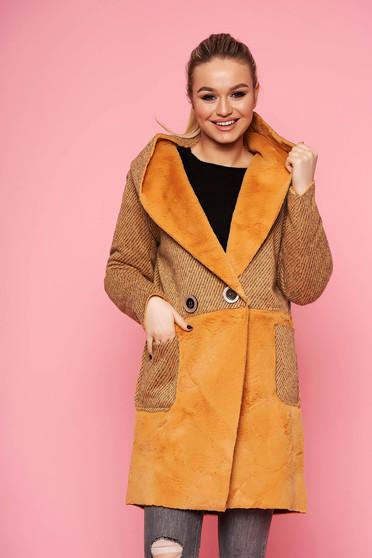 Mustársárga casual egyenes fix kapucnis kabát műszőrme berakásokkal