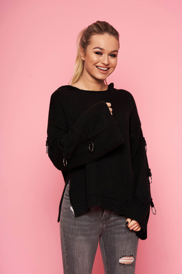 Fekete casual kötött bő szabású fix kapucnis fém kiegészítőkkel ellátott rövid pulóver