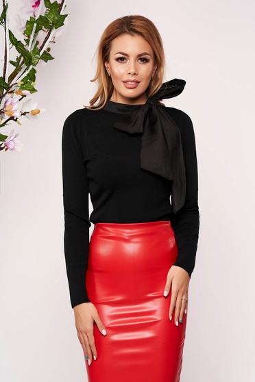 Fekete elegáns masnival megköthető karcsusított szabású kötött rövid női blúz