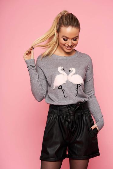 Szürke casual bő szabású kötött rövid pulóver pólónyakkal műszőrme berakásokkal