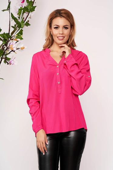 Pink irodai rövid női ing v-dekoltázzsal hosszú ujjakkal vékony anyagból