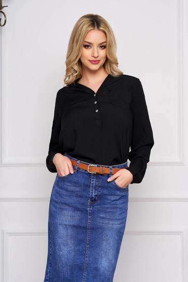 Fekete irodai rövid női ing v-dekoltázzsal hosszú ujjakkal vékony anyagból