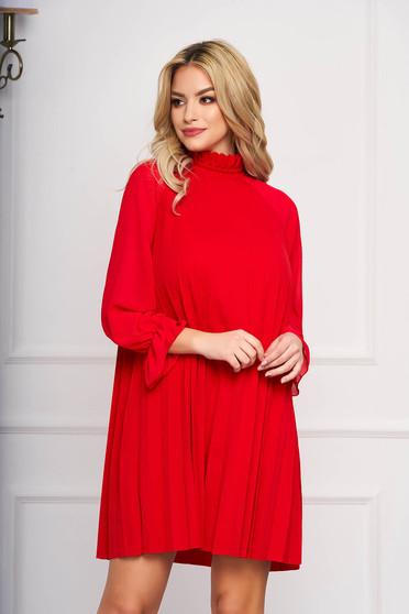 Piros elegáns rövid a-vonalú ruha muszlinból hosszú ujjakkal