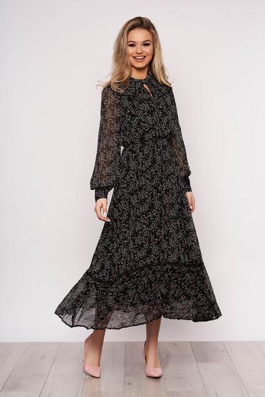 Fekete hétköznapi virágmintás ruha muszlinból