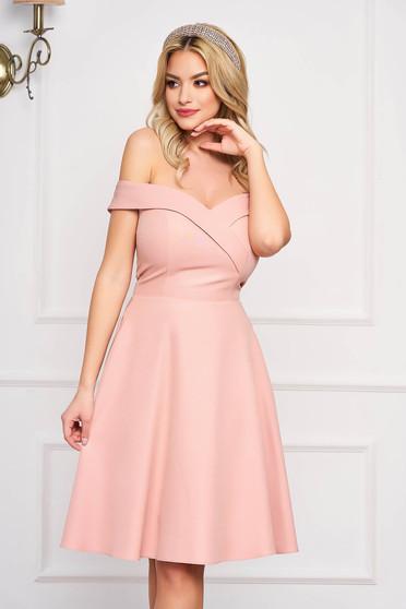 Púder rózsaszínű StarShinerS alkalmi midi váll nélküli harang ruha