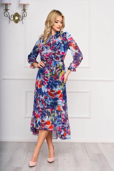 Kék elegáns midi harang aszimetrikus ruha muszlinból virágmintás díszítéssel