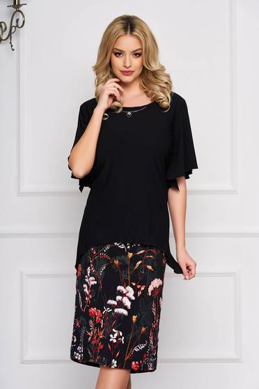 Fekete elegáns egyenes ruha virágos hímzéssel