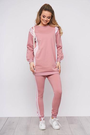 Púder rózsaszínű sportos két részes nadrágos pamutból készült sportos szett írásos mintával