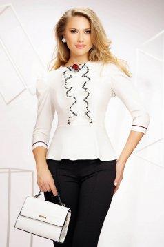 Fehér klasszikus hátul gombokkal zárható szűk szabású női ing masni alakú kiegészítővel