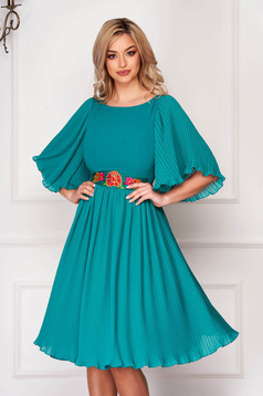 Zöld StarShinerS elegáns midi ruha muszlinból rakott, pliszírozott eltávolítható övvel