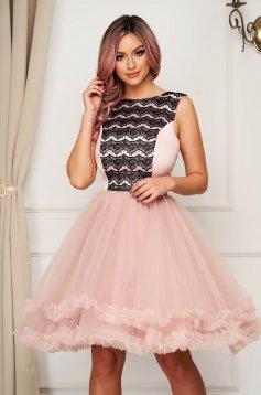 Pink alkalmi rövid harang ruha tüllből csipke díszítéssel