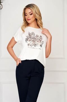 Fehér póló casual bő szabású rövid ujjú virágmintás