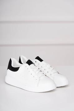 Fekete casual sport cipő műbőrből fűzővel köthető meg