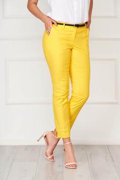 Sárga zsebes kónikus irodai nadrág pamutból készült