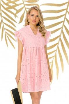 Púder rózsaszínű rövid bő szabású hétköznapi horgolt csipke ruha fodros ujjakkal