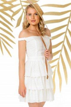 Fehér hétköznapi váll nélküli harang ruha pamutból készült fodrokkal a ruha alján