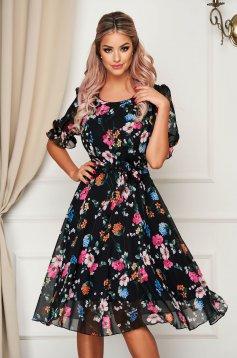 Fekete elegáns midi harang ruha muszlinból virágmintás díszítéssel