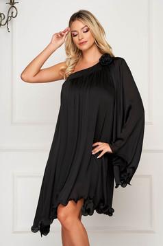 Fekete alkalmi aszimetrikus bő szabású ruha szatén anyagból
