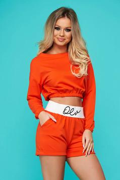 Narancssárga pamutból készült két részes sportos női kosztüm rövidnadrággal