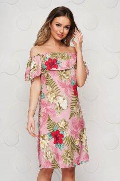 Púder rózsaszínű rövid bő szabású hétköznapi ruha vékony anyagból váll nélküli fazon