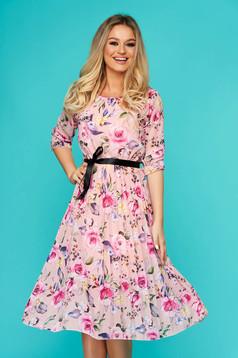 Pink hétköznapi rakott, pliszírozott midi harang ruha háromnegyedes ujjakkal muszlinból