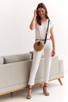 Fehér casual nadrág enyhén elasztikus pamut szűk szabással öv típusú kiegészítővel